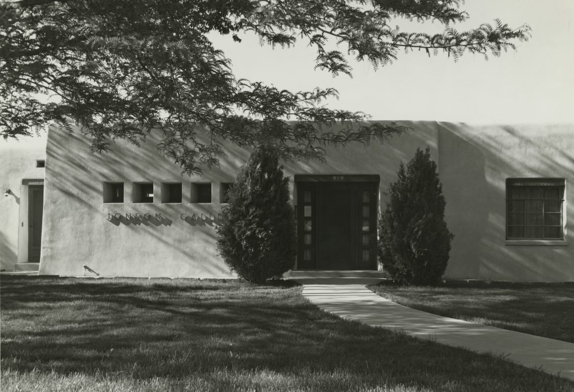 Black and white photography of the exterior of Jonson Gallery at the University of New Mexico in 1967.