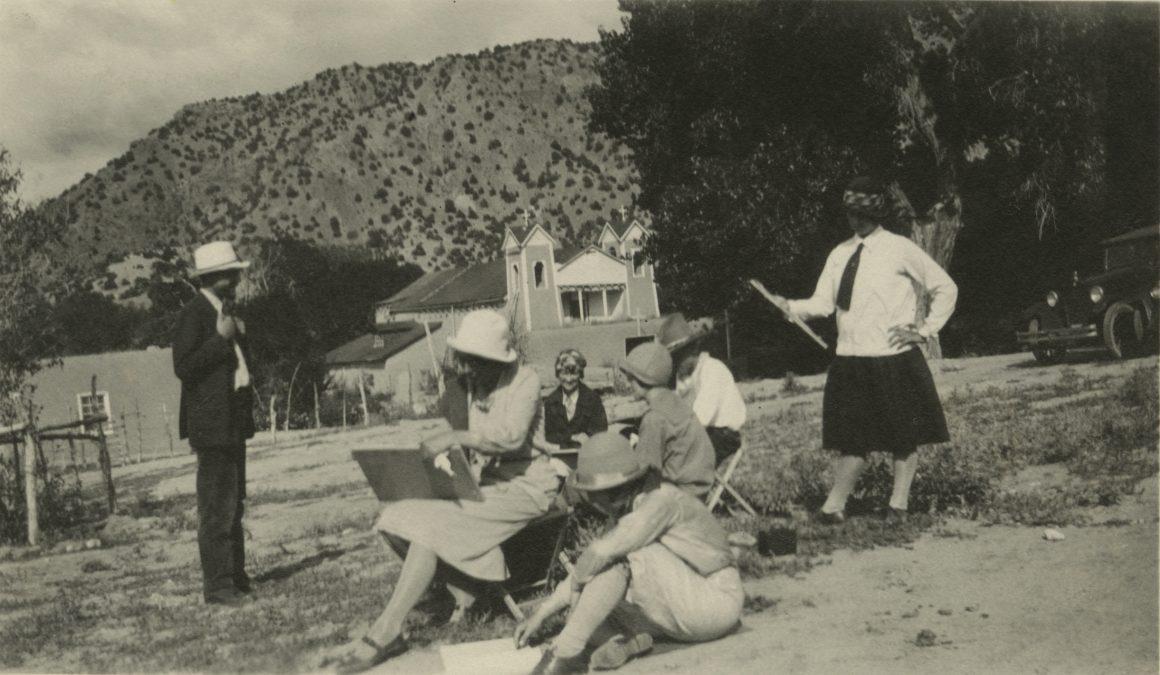 Jonson (L) with Atalaya Art School students, Chimayo, 1926
