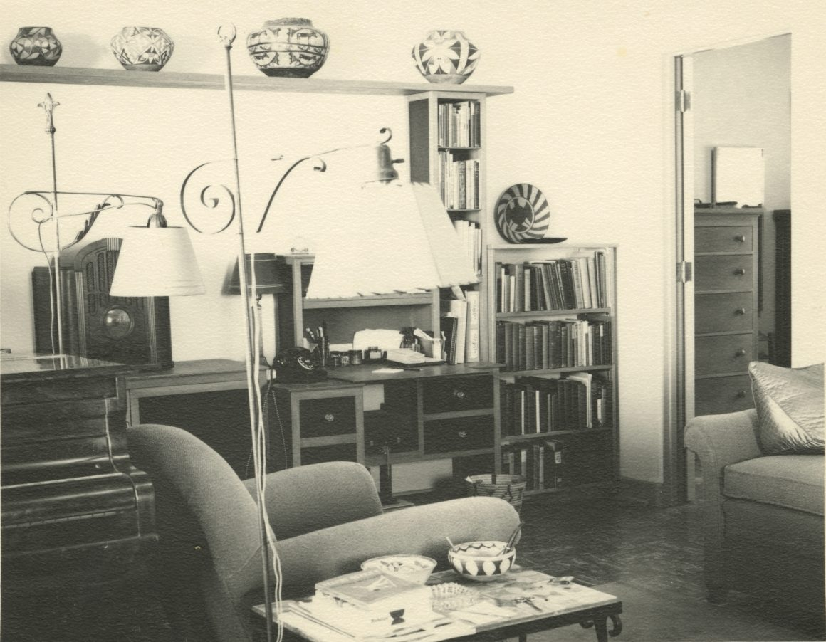 Photograph of the Jonson Gallery living room at UNM in 1950.