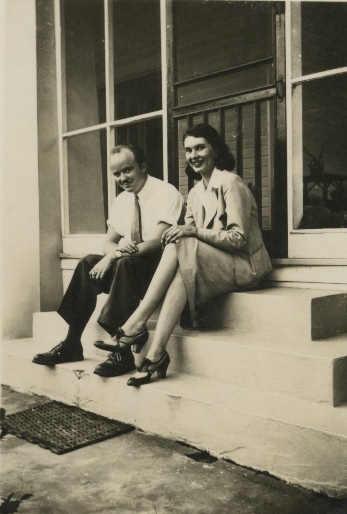 """Florence Miller Pierce and Howard Towner Pierce with """"Spiral Symphony"""" on the way to MOMA, NY, 1939"""